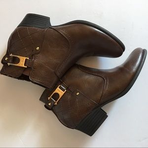 Unisa Dark Brown Booties with a gold buckle SZ 6.5